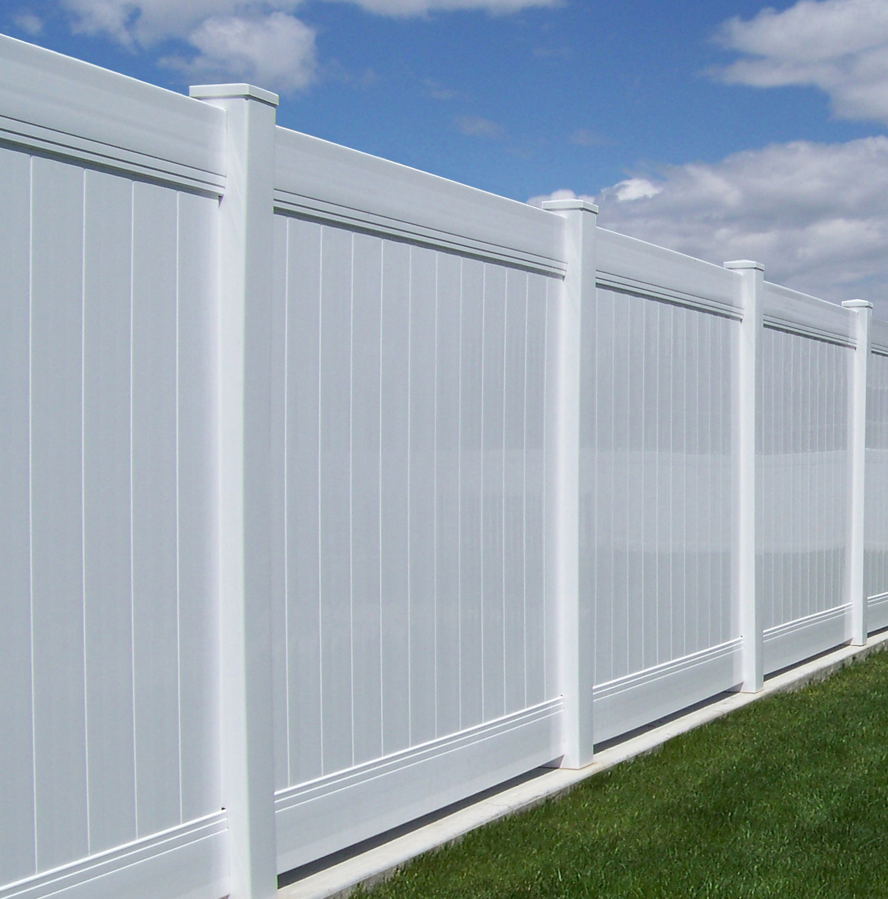 High Wind vinyl fence in Utah | Vinyl Fence Experts