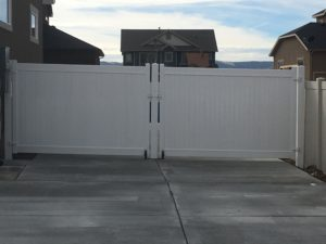 crown-vinyl-steel-framed-vinyl-gates