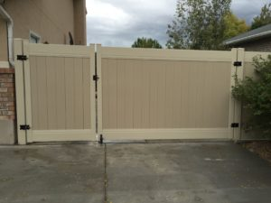 Crown Vinyl steel framed two tone rv gate