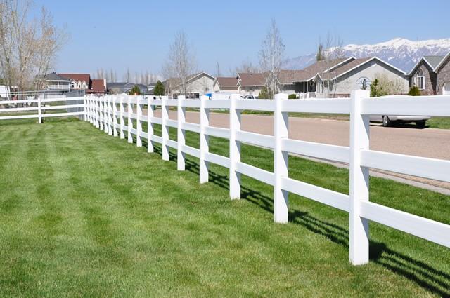 ranch-rail-vinyl-fences